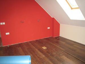 a s podlahou vypadá ložnice zase úplně jinak :)