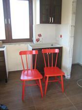 a nové židličky - opět Ikejka :)