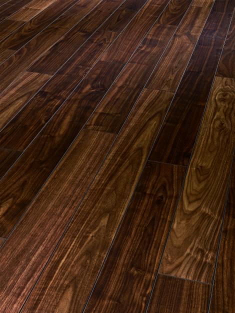 Původně to měla být Astra plus :) - objednaná podlaha do ložnice