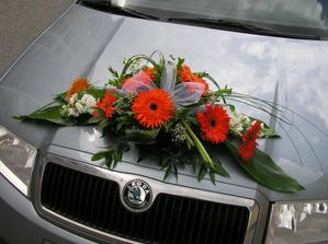... na autíčku pro nevěstu