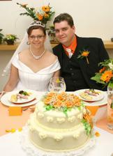Svatební dort chutnal výtečně
