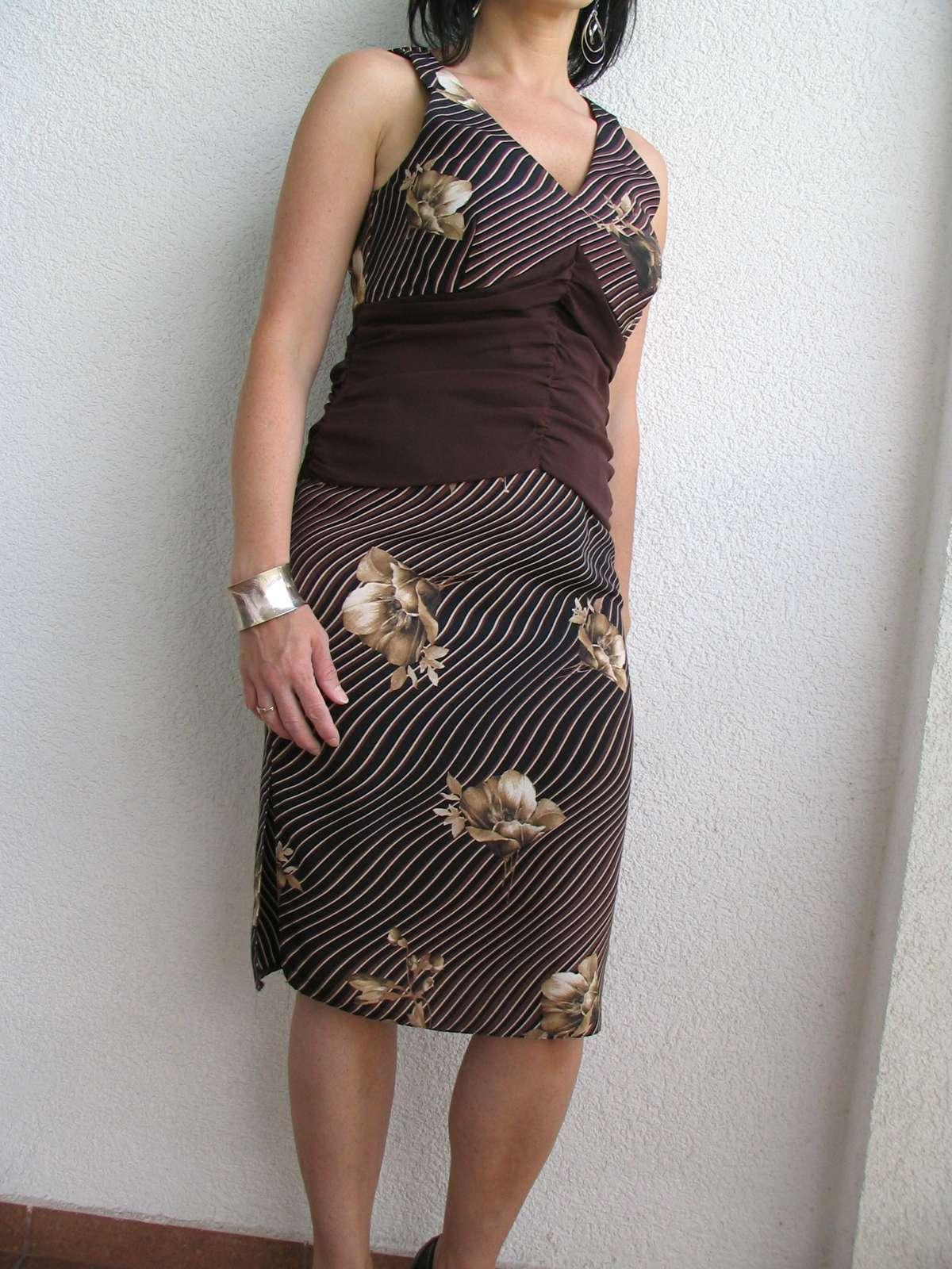 nenosená sukňa s topom - Obrázok č. 1