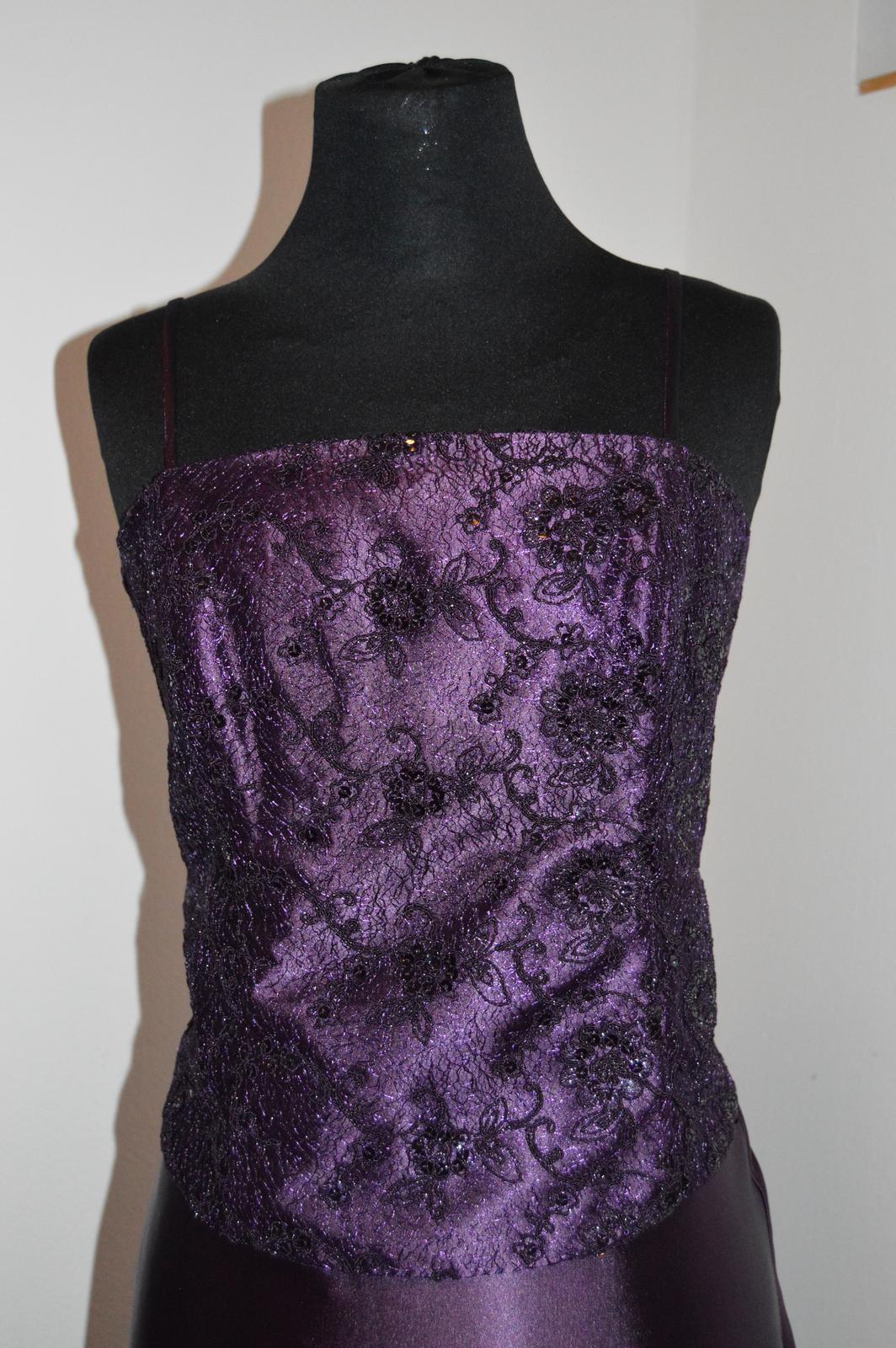 Nenosené šaty - Obrázok č. 2