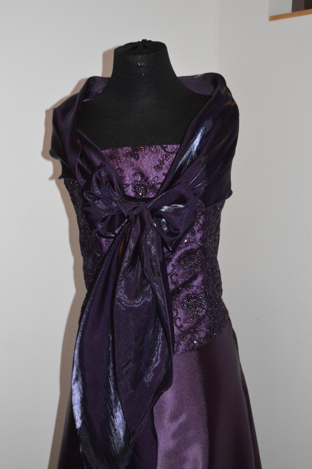 Nenosené šaty - Obrázok č. 3