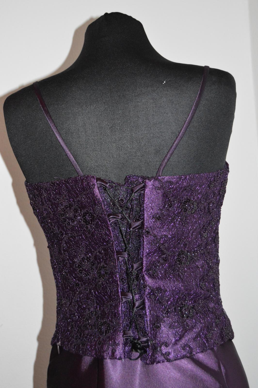 Nenosené šaty - Obrázok č. 4