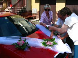 zdobení auta pro nevěstu
