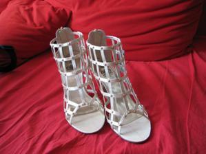 To jsou ony - moje svatební botičky