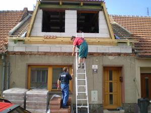 Dělá se střecha - červen 2009