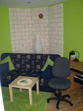 Prozatimní obývaček (bude to hala s krbovými kamny) - 2010