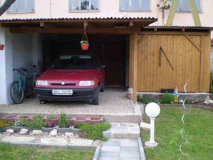 Přístřešek na auto - vybudován 2006