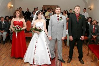 vlevo je moje sestřička a vpravo manželův bratr