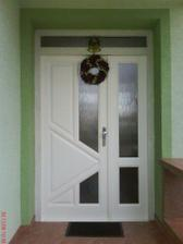 naše nové vchodové dvere (drevené)