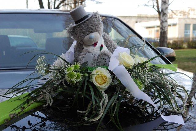 Vyzdoby svadobných  áut - Obrázok č. 62