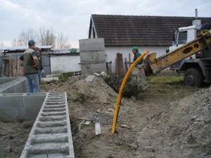 7.11. kopeme studňu