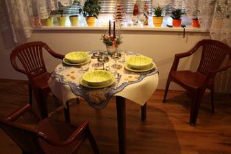 naše provizorní stolování :-) Dokonalé to bude během ledna :-)