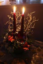 svícen na štědrovečerní stůl