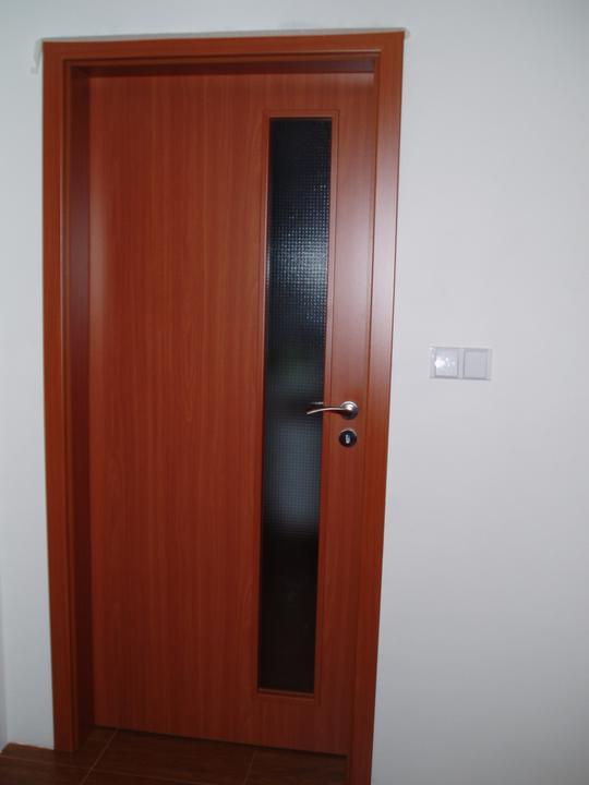Detaily, dekorace... - tak konečně první dveře...