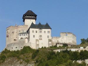 fotiť sa budeme na nádvorí Trenčianskeho hradu...