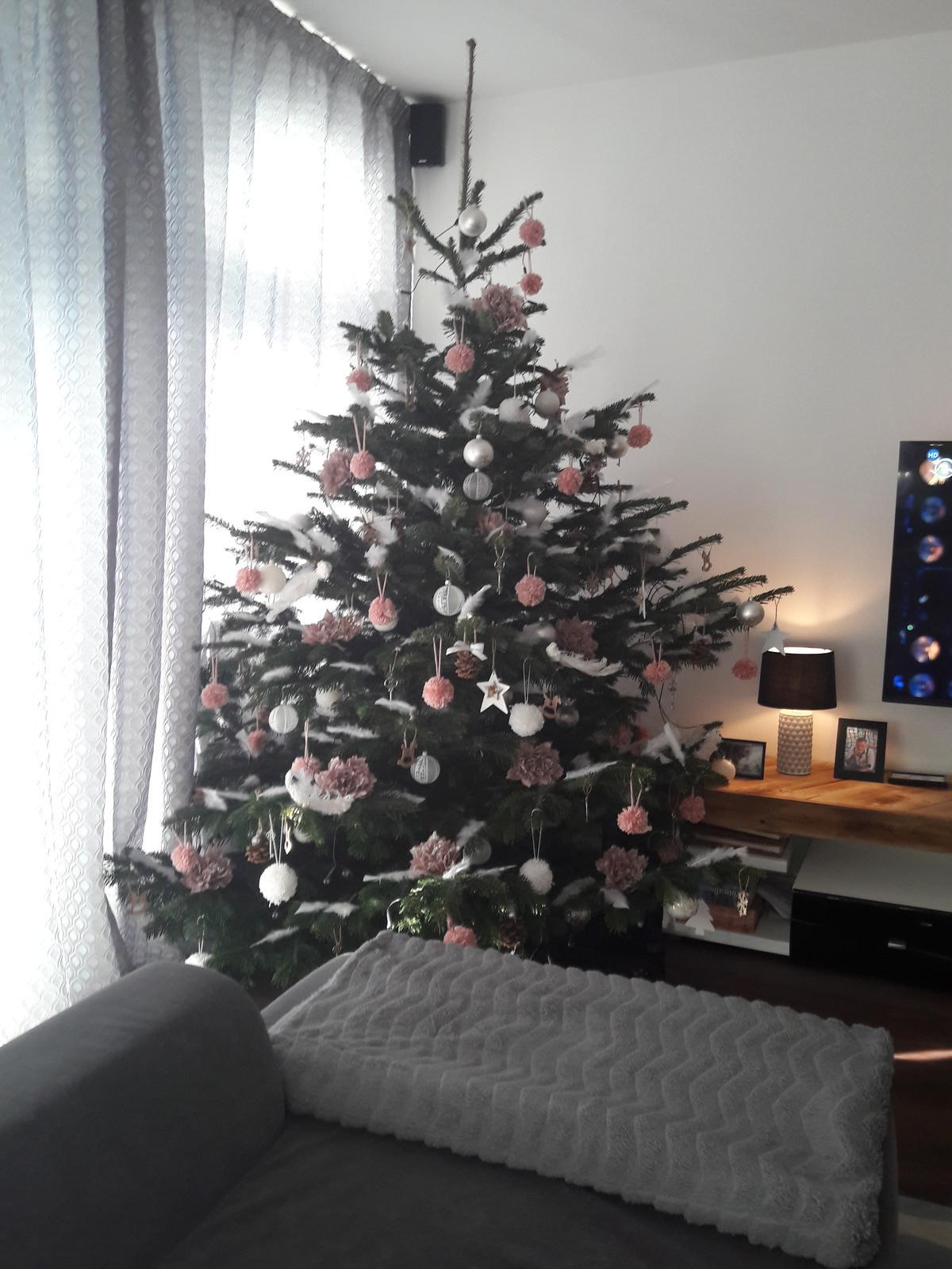 Náš domov :) - Ružovo bielo prírodný 🎀