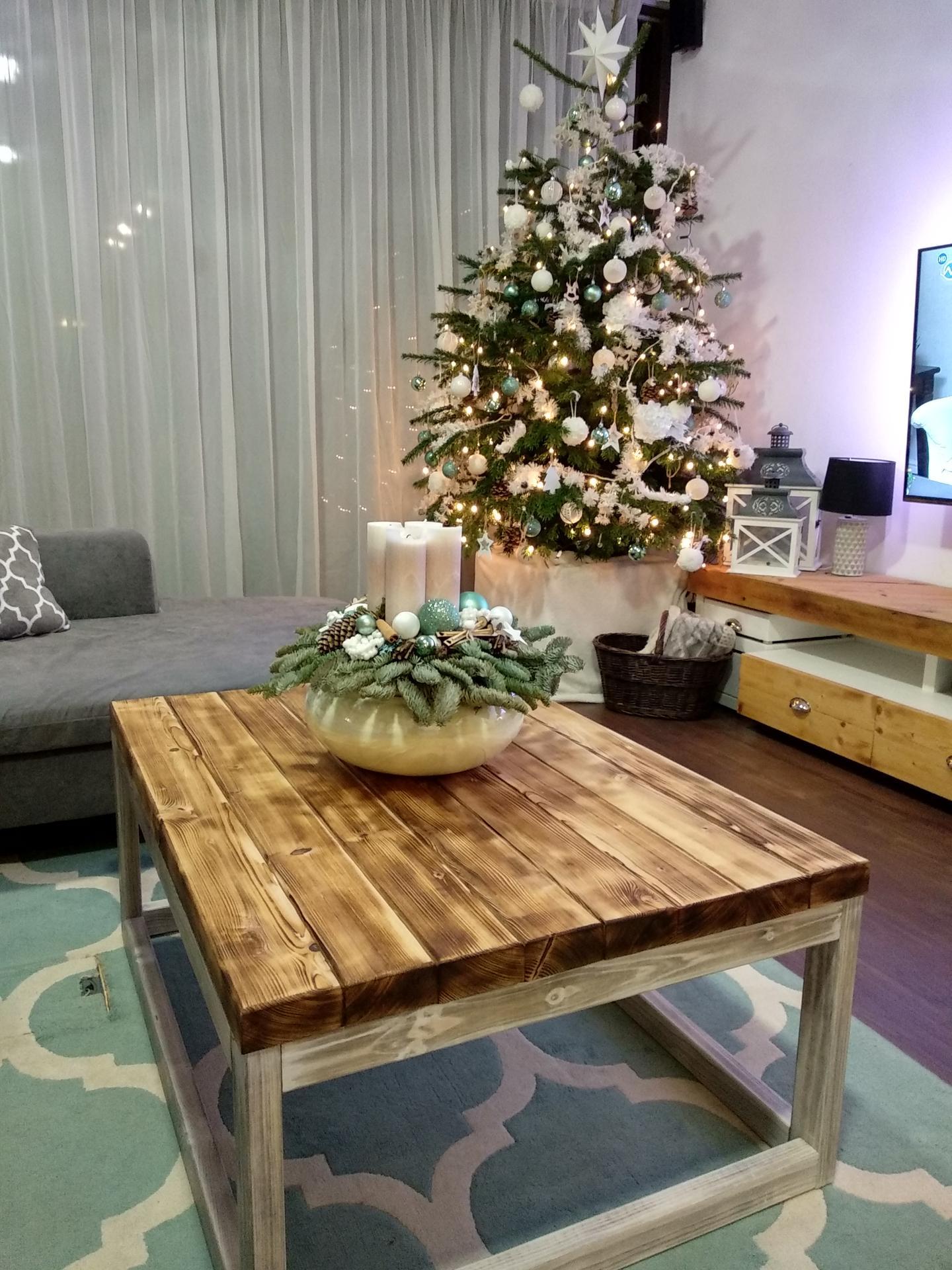 Náš domov :) - Nový stolík 😍