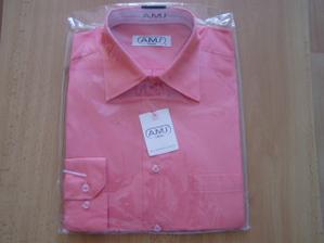 ženichova košile (vybrána do barvy svatbičky, ladila se šatama které jsem měla mít původně na sobě, ale budou jiné)