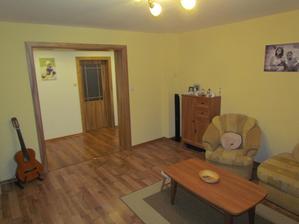 Obývačka z iného pohľadu (aj ten gauč pôjde čoskoro het)