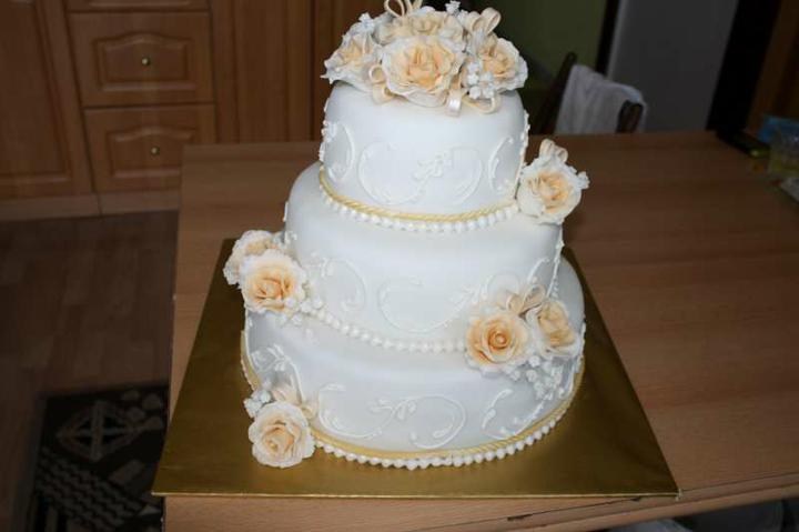 Svadobne torty, zakusky - Obrázok č. 71