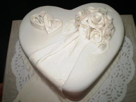 Svadobne torty, zakusky - Obrázok č. 95