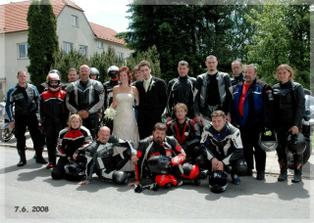 foto s motorkářema nesmělo chybět :)