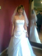 2.zkouška mých svatebních šatů