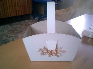 košíček na koláčky-mnam :-)