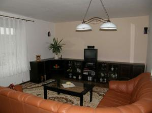 naša terajšia obývačka, aj budúca len ju zmodernizujeme...