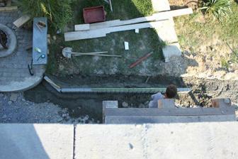 ostal betonik, bude aj kusok chodnika :)))