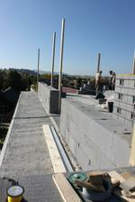 polovoca balkona v podkrovi, to iste je aj o poschodie nizsie :))) cca 44metrov balkonov .... no čo už :)