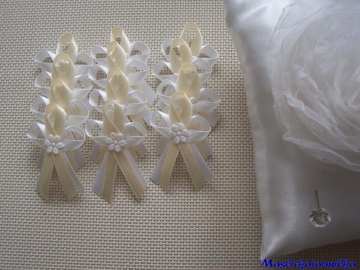 Vývazky (nad 30 vývazků poštovné zdarma) - Bílé-šampaň 4 kč, polštářek 150 kč