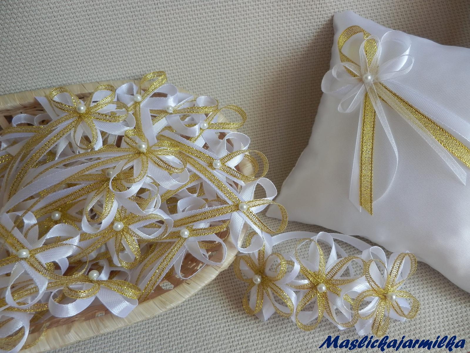 Svatební vývazky, podvazky, polštářky pod prstýnky, náramky.. - Obrázek č. 2