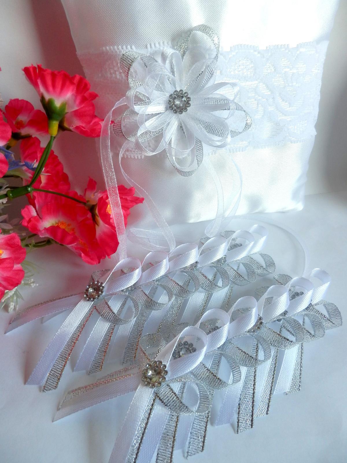 Svatební vývazky, podvazky, polštářky, náramky... - Obrázek č. 11