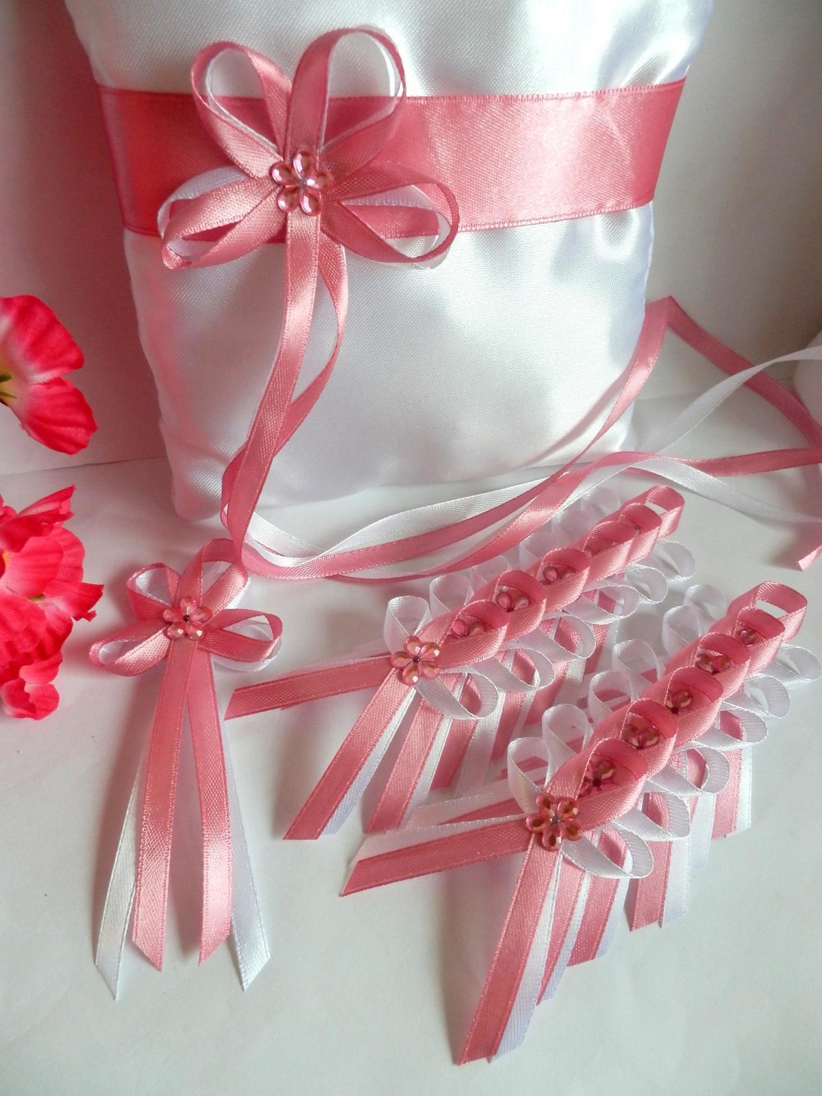 Svatební vývazky, podvazky, polštářky pod prstýnky, náramky.. - Obrázek č. 6