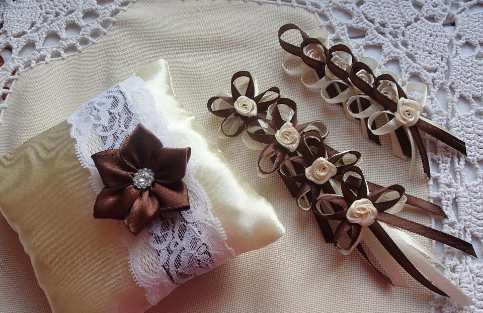 Svatební vývazky, podvazky, polštářky pod prstýnky, náramky.. - Obrázek č. 22