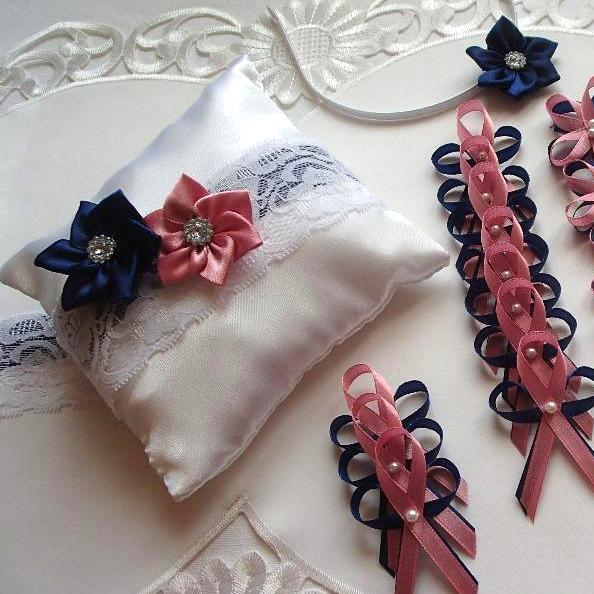 Svatební vývazky, podvazky, polštářky pod prstýnky, náramky.. - Obrázek č. 30