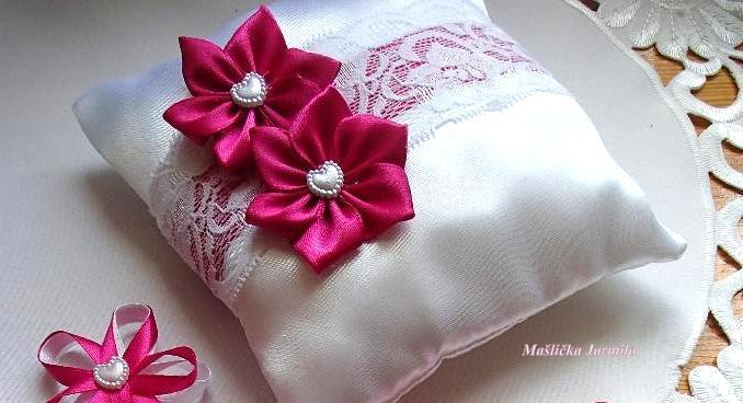 Svatební vývazky, podvazky, polštářky pod prstýnky, náramky.. - Obrázek č. 69