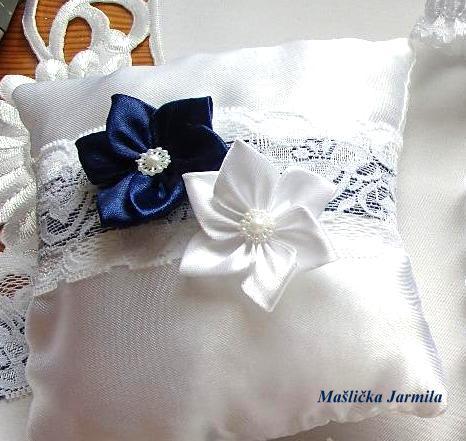 Svatební vývazky, podvazky, polštářky pod prstýnky, náramky.. - Obrázek č. 34