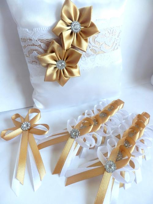 Svatební vývazky, podvazky, polštářky pod prstýnky, náramky.. - Obrázek č. 78