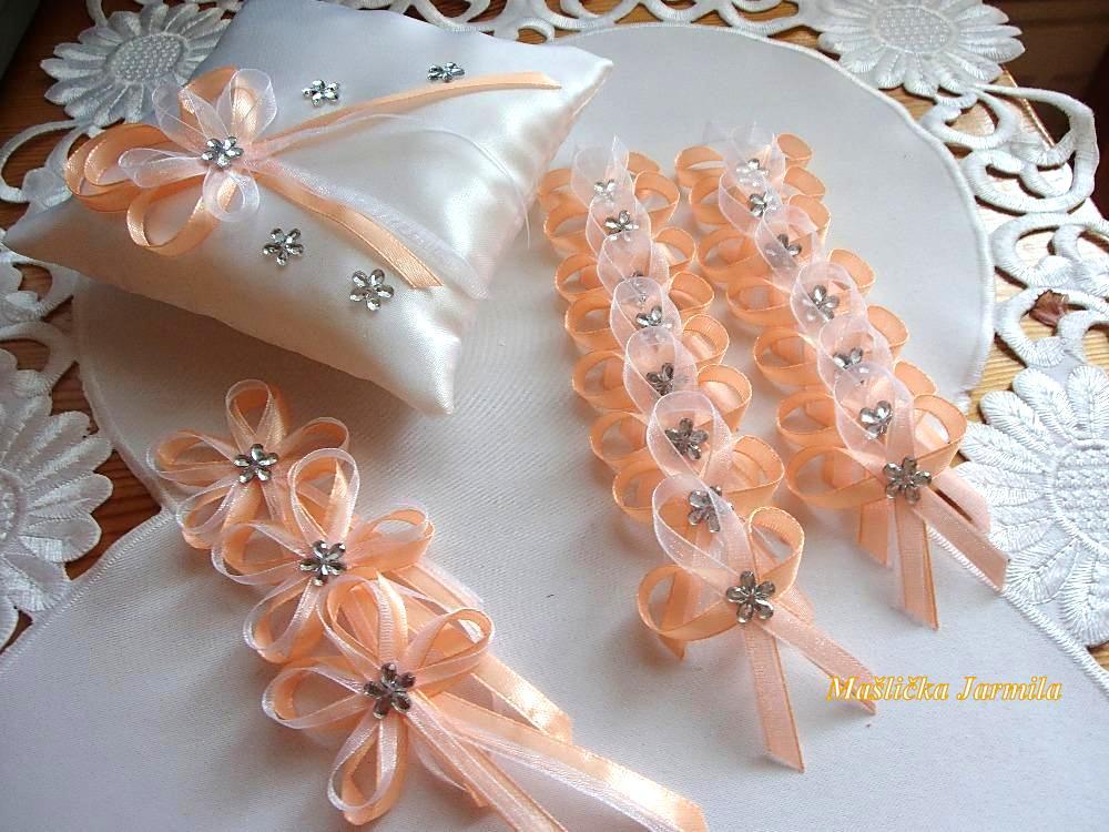 Svatební vývazky, polštářky, ozdoby do vlasů a podvazky... - Obrázek č. 8