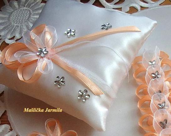 Svatební vývazky, polštářky, ozdoby do vlasů a podvazky... - Obrázek č. 9