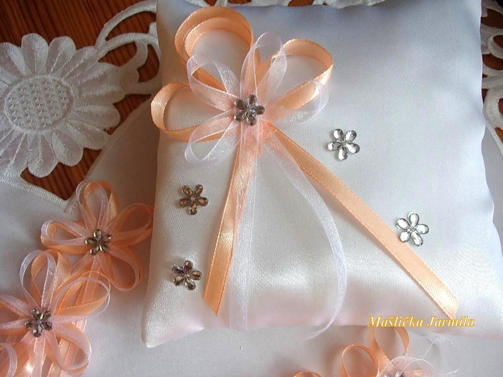 Svatební vývazky, polštářky, ozdoby do vlasů a podvazky... - Obrázek č. 10