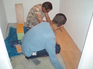 už sa robí podlaha