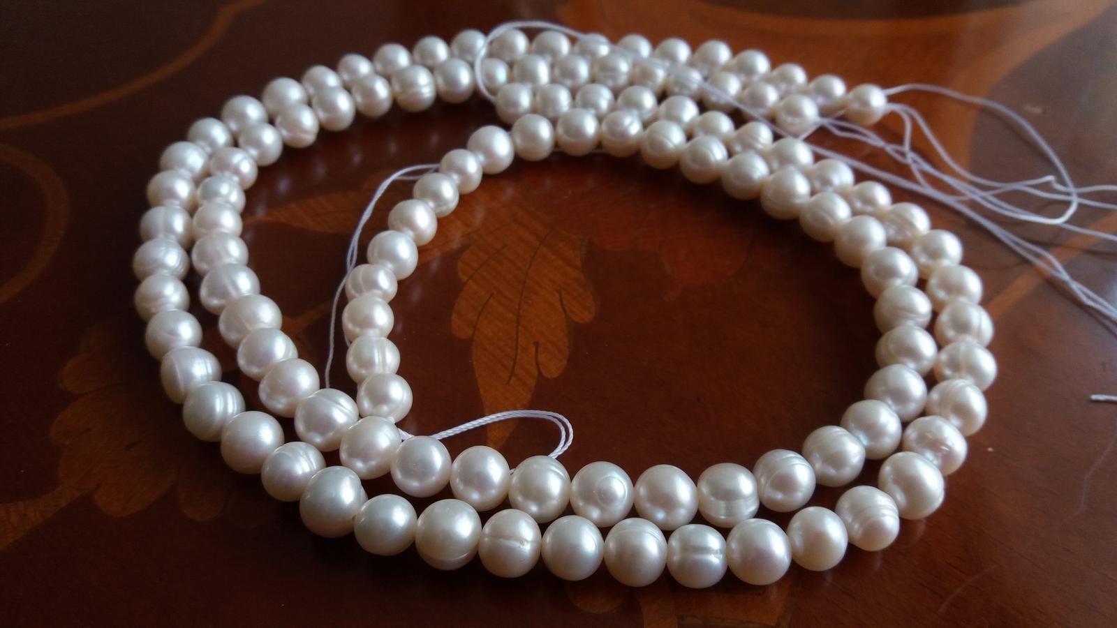 Naše dobová viktoriánská  svatba - Říční perličky na krk