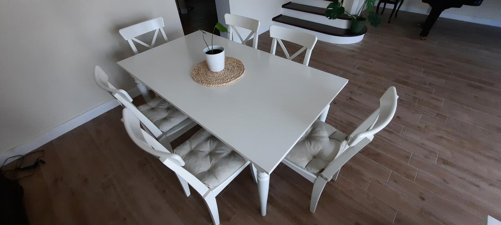 IKEA: jedálenský stôl a stoličky INGATORP/INGOLF - Obrázok č. 1
