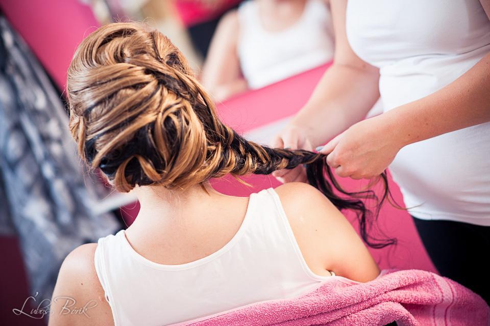 ♥Veronika{{_AND_}}Maťo♥ - A tu už nádherné dielo kaderníčky Simonky :-) veľká spokojnosť :-) všetky vlasy sú moje :-D čierne nafarbené, ostatné prirodzené :-)